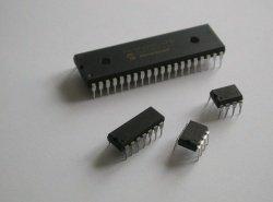 4 microcontrôleurs PIC de familles différentes